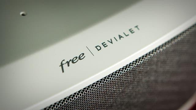 Free s'est allié à Devialet pour la conception d'une partie du Player. Le résultat est très probant.
