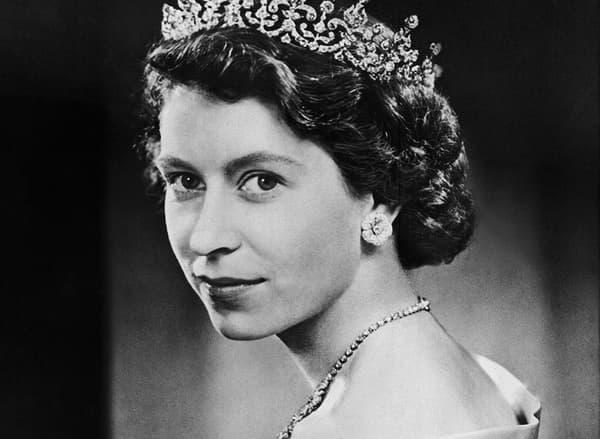 Elizabeth n'a pas toujours été une petite vieille dame en tailleur rose. La voici en 1951, un an avant son couronnement.