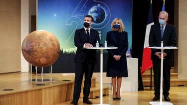 Emmanuel et Brigitte Macron au Cnes à Paris ce jeudi.