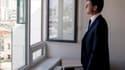 Manuel Valls visite un immeuble neuf à Paris, le 26 juin 2014