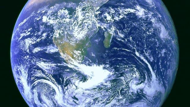 """Notre planète """"bleue"""", la Terre."""