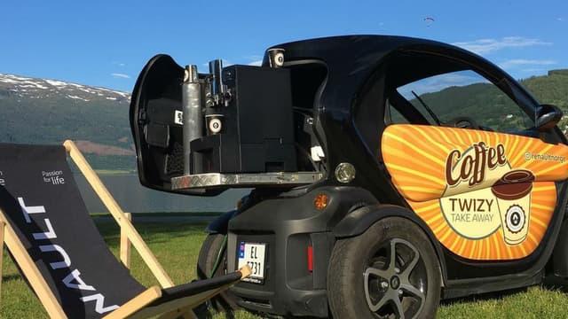Le quadricycle électrique de Renault, ici décliné en machine à café ambulante, est au coeur de la communication de la marque française en Norvège.