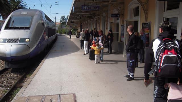 TGV arrivé en gare de Hyères