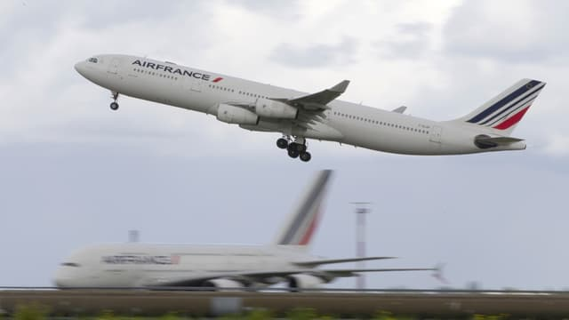 """Avec """"Perform 2020"""", Air France cherche à redresser le réseau court et moyen-courrier déficitaire et à riposter aux low-cost."""