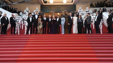 """L'équipe de """"Solo: A Star Wars Story"""" sur les marches du 71e Festival de Cannes"""
