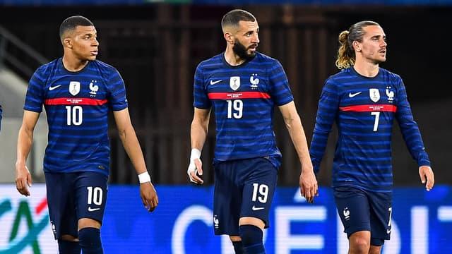 Mbappé, Benzema et Griezmann lors de France-Galles