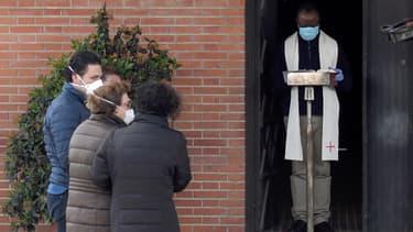 Des funérailles à Madrid, en pleine pandémie de coronavirus, le 4 avril.