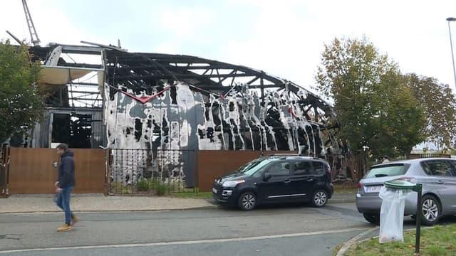Un cirque a été incendié dans la nuit de samedi à dimanche à Chanteloup-les-Vignes, dans les Yvelines.