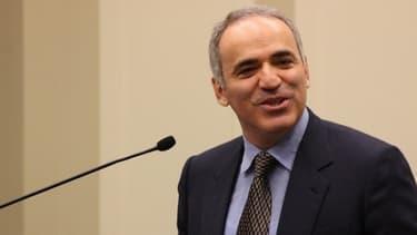 Garry Kasparov dénonce la mainmise de Vladimir Poutine sur le système économique russe