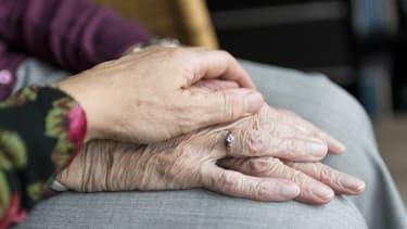 Des syndicats réclament un secrétariat d'Etat aux personnes âgées