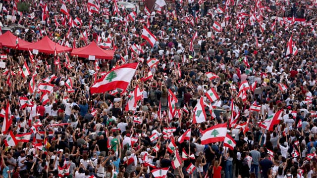 Manifestation dans le centre-ville de Beyrouth, au Liban le 20 octobre 2019