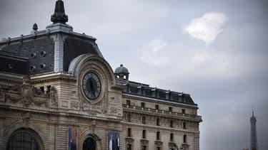 L'appel à la grève vise une initiative du ministère de la Culture qui souhaite ouvrir le musée d'Orsay sept jours sur sept à compter de novembre 2015, à l'instar du musée du Louvre et du château de Versailles.