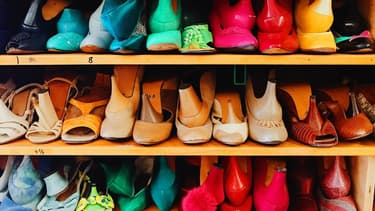 Au Canada, les employeurs vont devoir revoir leurs exigences vis à vis des tenues de leurs salariés.