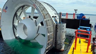 Immersion d'une hydrolienne EDF (image d'illustration)