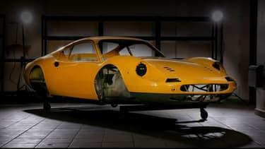 Cette Ferrari Dino sera mis aux enchères le 18 mai. Elle devra être entièrement remontée par son acquéreur.