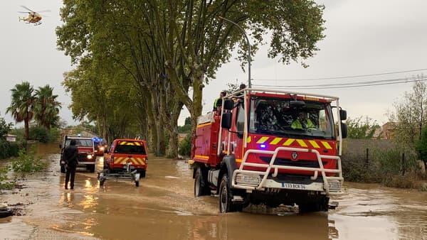 Les pompiers déployés dans l'Hérault, à Villeneuve-les-Béziers ce mercredi.