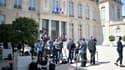 Les journalistes patientent dans la cour de l'Élysée