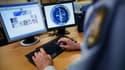 Les agents du renseignement intérieur et territorial surveillent notamment les signes de radicalisation sur Internet (photo d'illustration)