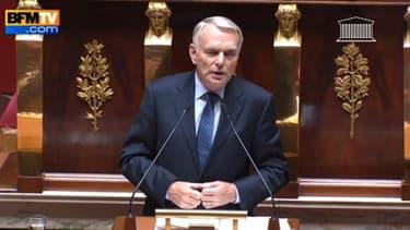 Jean-Marc Ayrault défendant l apolitique économique du gouvernement à l'Assemblée nationale, le 20 mars 2013