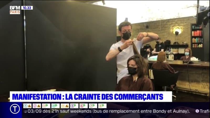 Paris: les manifestations contre le pass sanitaire inquiètent les commerçants