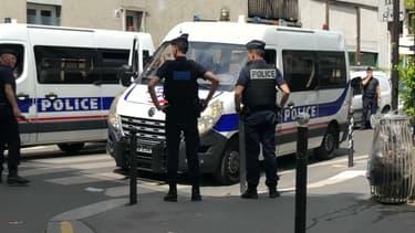 Une femme a été blessée par une boule de pétanque devant une synagogue à Paris.