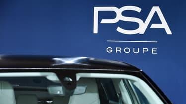 Le constructeur automobile français PSA (Peugeot, Citroën) a vu son chiffre d'affaires chuter de 15,6% au premier trimestre à 15,2 milliards d'euros, à cause de l'épidémie de coronavirus.