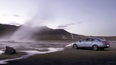 La Volkswagen Passat partage la même base technique que les Skoda Superb et Audi A4, mais coûte trop ou trop peu cher.