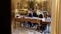 François Hollande à son bureau de l'Elysée
