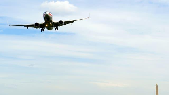 Un avion American Airlines se prépare à atterrir à Washington, en mai 2014. (photo d'illustration)