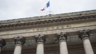 Bouygues, maison-mère, voit son titre s'envoler à la Bourse de Paris, devant la perspective de l'offre à 10 milliards d'euros sur sa filiale télécoms.