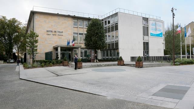 L'hôtel de ville de Mantes-la-Jolie le 7 novembre 2013.