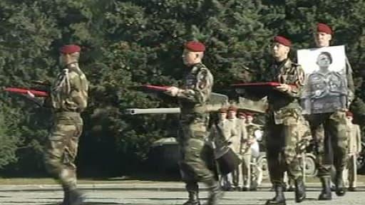 Les cendres du général ont été transférées, au milieu de ses soldats.
