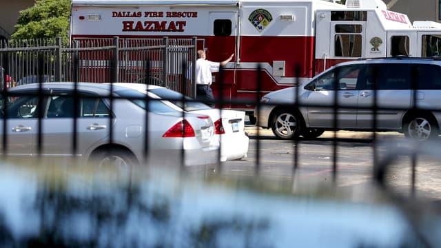 L'appartement dans lequel résidait Thomas Eric Duncan, patient américain qui a contracté le virus Ebola, a été mis en quarantaine. Cet homme pourrait avoir contaminé dix autres personnes.