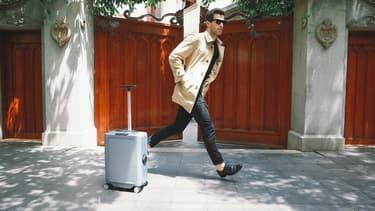 Cowarobot R1, la valise automatique qui suit son propriétaire.