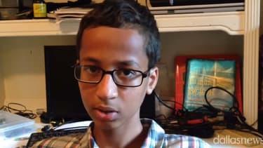 Ahmed Mohamed, 14 ans, a été arrêté pour avoir apporté en cours une horloge de sa fabrication que les enseignants ont pris pour une bombe.