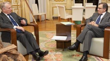 Jean-Marc Ayrault recevant le PDG de TF1 Nonce Paolini en mars 2013