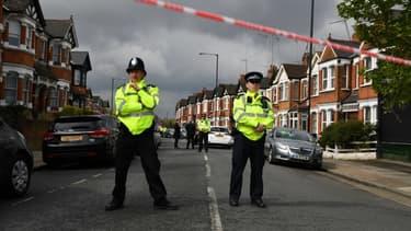Des policiers britanniques (photos d'illustration).
