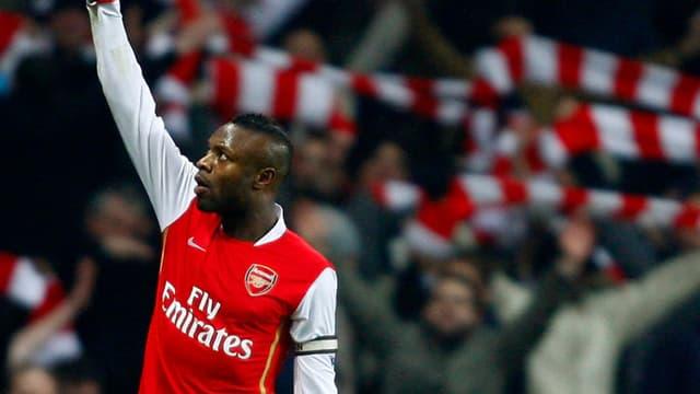 A deux mois du Mondial, le défenseur d'Arsenal s'est de nouveau blessé.