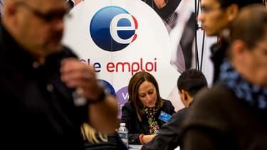 Le prochain rendez-vous autour de l'assurance chômage sera en 2016, rappelle l'Elysée.