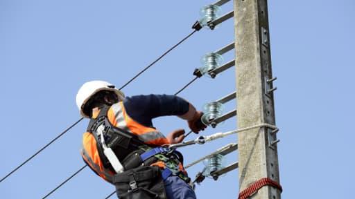 Jusqu'à 55.800 foyers ont été privés d'électricité, vendredi soir, dans le Sud-Ouest.