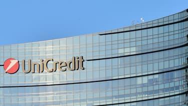 UniCredit lance son augmentation de capital.