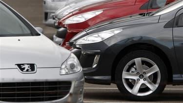 PSA Peugeot Citroën, numéro deux européen de l'automobile, a annoncé mardi étudier des projets de coopération et d'alliance mais sans préciser avec quelles parties ont lieu les discussions. Il s'agirait de l'américain General Motors, selon le site LaTribu