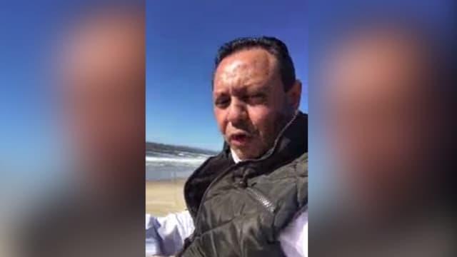 Le député Braulio Guerra juché à une dizaine de mètres sur un mur faisait déjà office de frontière entre le Mexique et les États-Unis