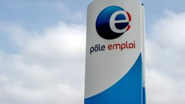 Le taux de chômage en France métropolitaine est resté stable à 9,7%.