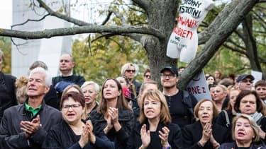 Manifestation contre une proposition de loi bannissant l'avortement à Varsovie en Pologne le 1er octobre 2016