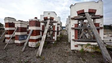 Des ruines de l'usine AZF exposées lors d'une cérémonie de commémorations de l'explosion, en 2010.