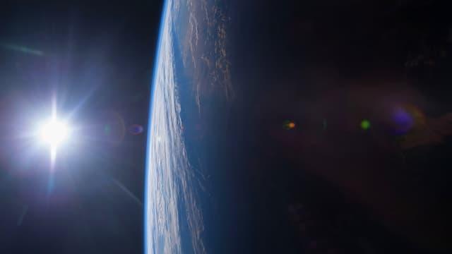Les déchets autour de la Terre menace le tourisme spatial.
