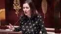 Karine Berger, députée PS des Hautes-Alpes, signe la note des députés socialistes membres de la commission des finances, qui proposent un plan d'économies différent de celui de Manuel Valls.