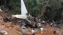 Des enquêteurs passaient au crible les pentes d'un ravin, dimanche dans le sud de l'Inde, pour tenter de retrouver la boîte noire du Boeing 737-800 de la compagnie Air India Express dont l'atterrissage manqué s'est soldé par 158 morts la veille à Mangalor