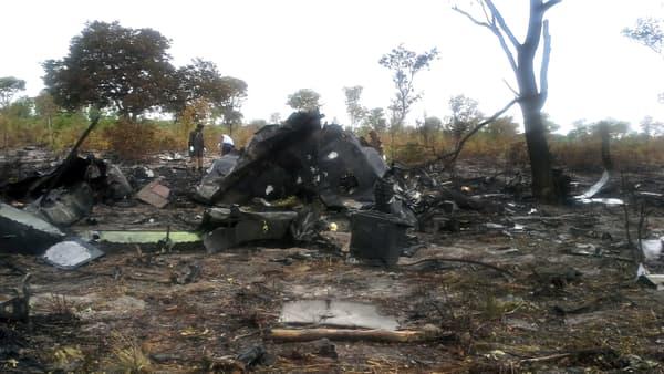 La carcasse de l'avion de la Mozambique Airlines, en Namibie, le 30 novembre 2013.